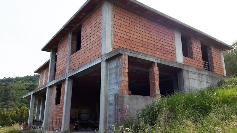 Casa Indipendente IMPERIA U20ac 350.000